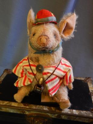 DSThe Pig and the WhistleCN9882.JPG